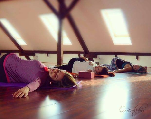 stresszoldó női jóga | Orienta.hu